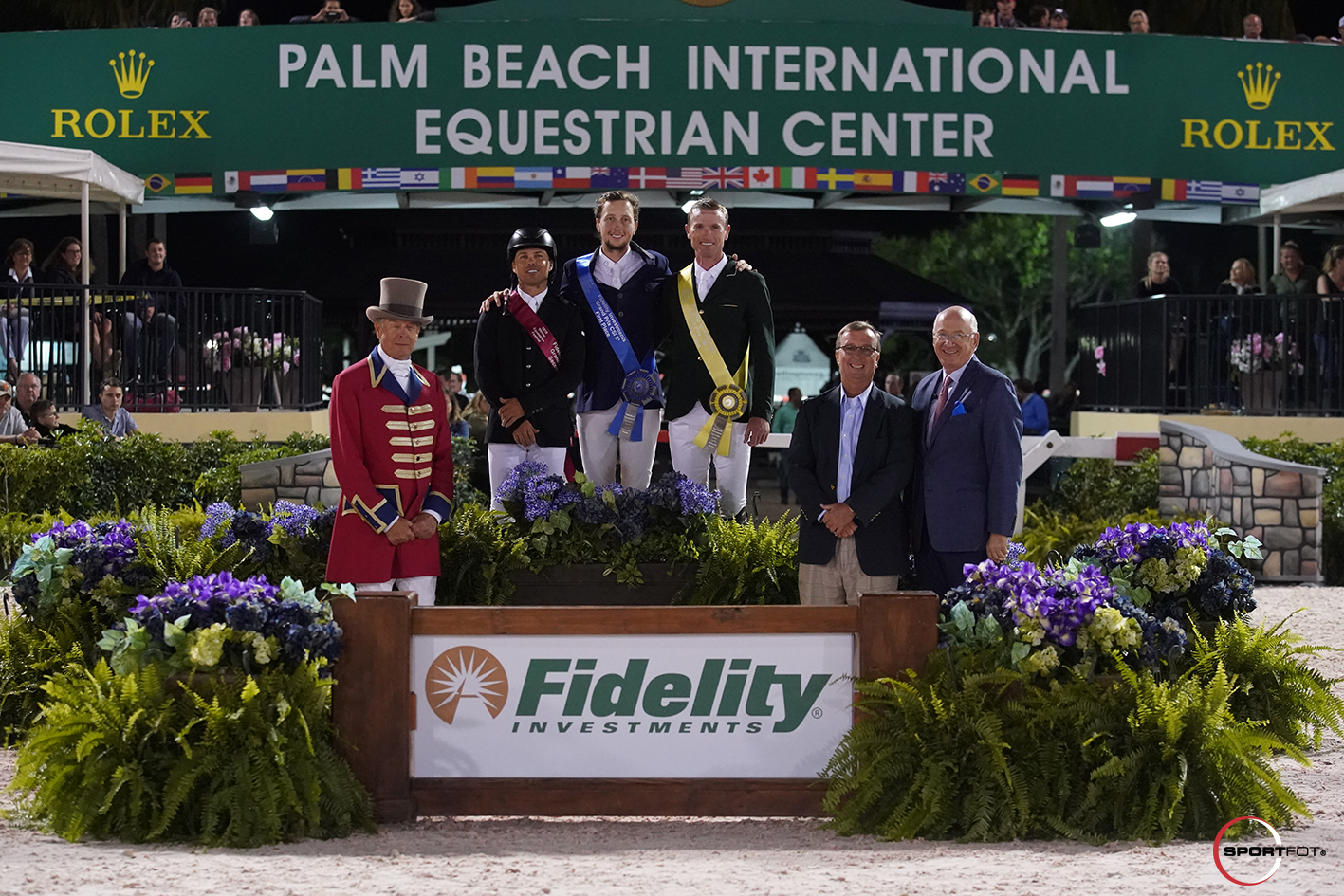 Kent Farrington Martin Fuchs Richie Moloney podium 4180985 Sportfot
