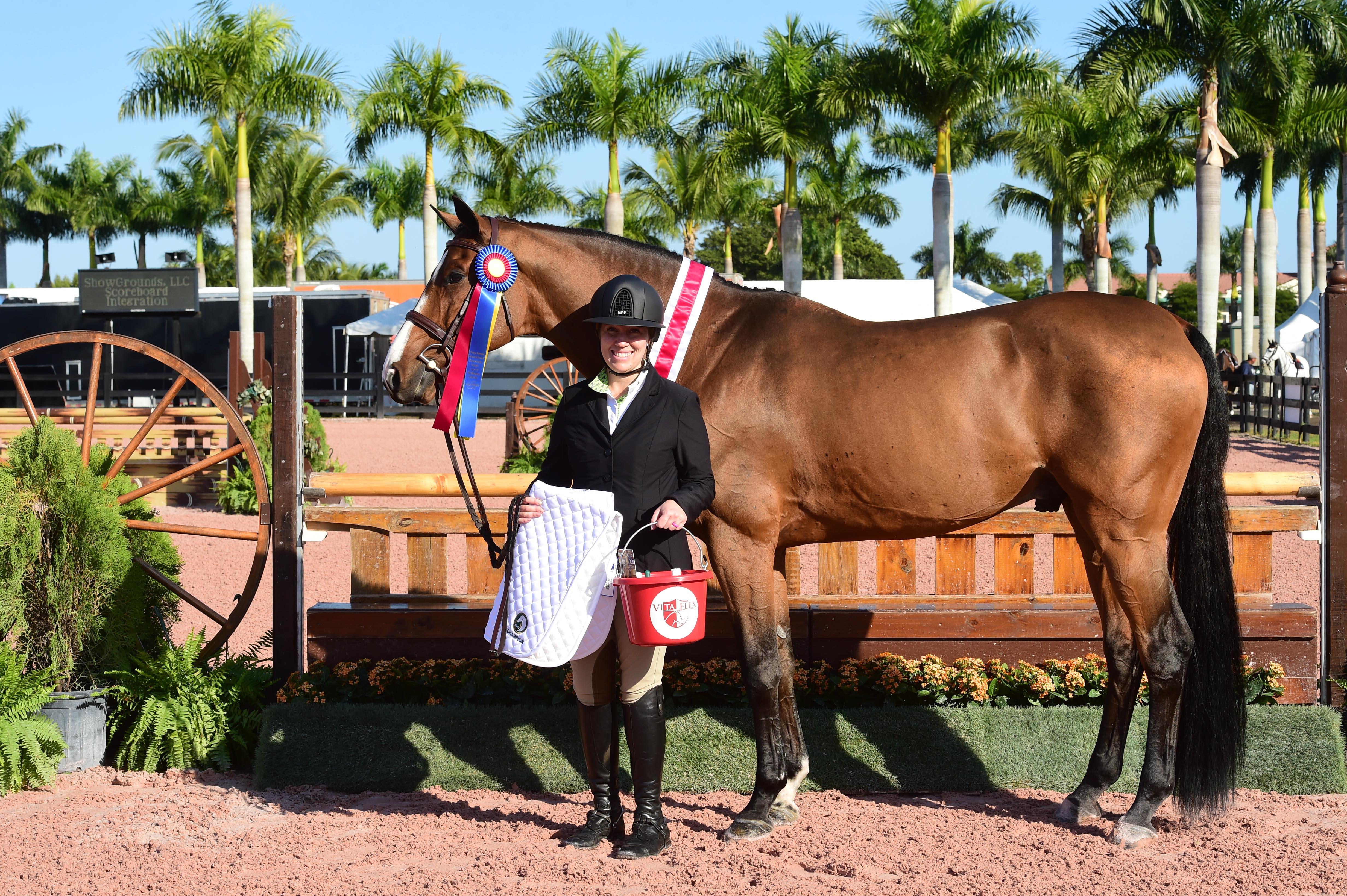 Holiday & Horse Vita Flex_Tracy Scheriff-Muser_Champion copy