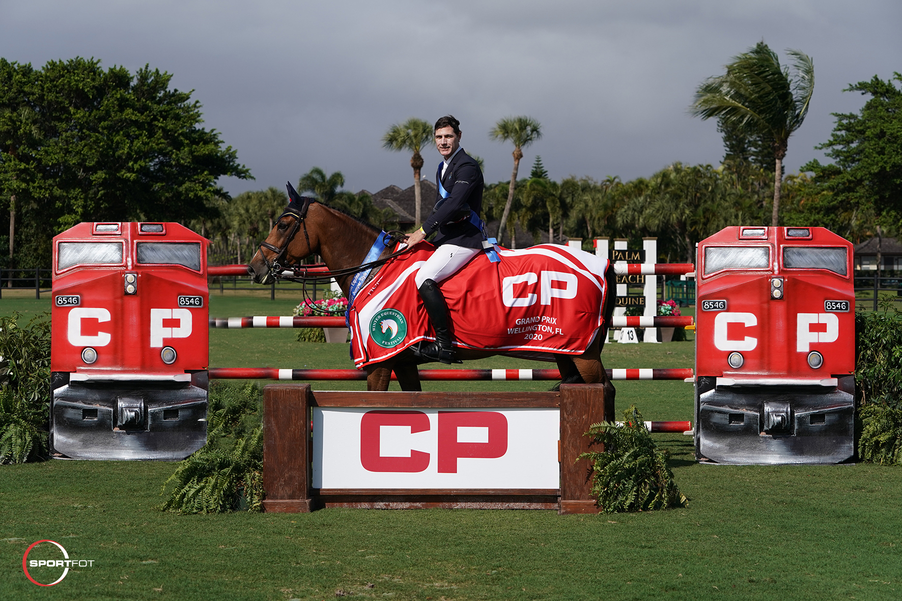 Peter Lutz and Quinta 106 by Sportfot 528_3532 Laura