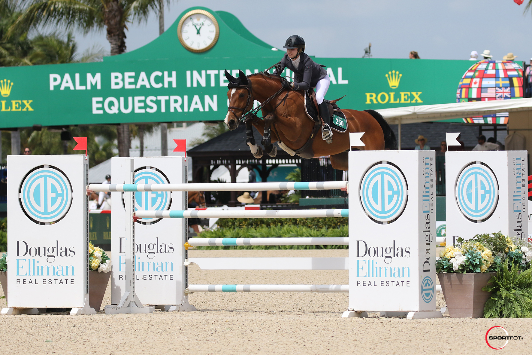 Abigail McArdle and Victorio 5 by Sportfot 540_3995