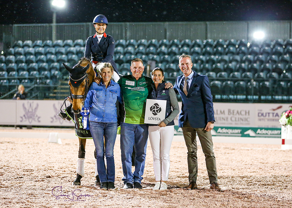 Jill Irving in the prize-giving with Ashley Holzer, Allyn Mann of class sponsor Adequan®, Tinne Vilhelmson Silfvén representing Lövsta and judge at C, Christof Umbach.